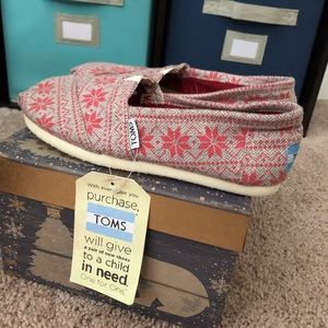 TOMS Flats Size 5.5